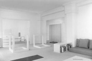 La remise en place de toutes les œuvres de ma collection suite au retrait des œuvres par Brun, Pasqualini et Ghislain Mollet-Viéville, 1979