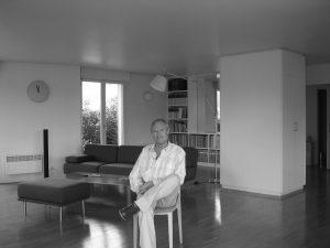 Ghislain Mollet-Viéville dans son appartement au 59 avenue Ledru-Rollin 75012 Paris en 2006