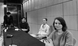 L'équipe du Prix de la Biennale de Paris 2020 à l'Hôtel de Ville de Paris, le 17 décembre 2020. De gauche à droite : Ludovic De Vita, Diego Greno, Alexandra Péron, Camille Zmyslony.
